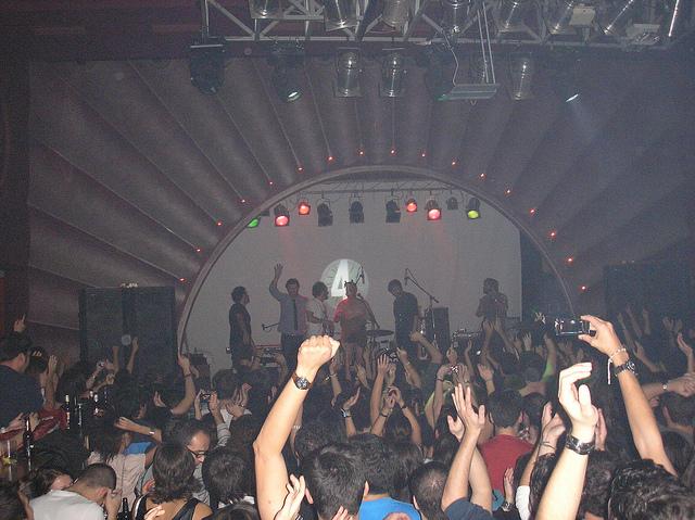 CONCIERTO DE LOVE OF LESBIAN EN LA VACA (PONFERRADA) EL 19-NOVIEMBRE-2.010 (4):